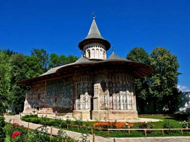 voronet-monastery-870x480